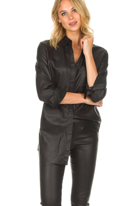 zwart leren blouse