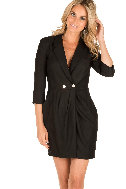blazer op zwart jurkje