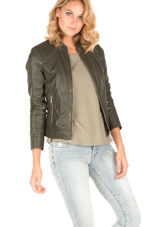 Een groen leren jasje bestellen bij Leather Shop Doci. Een groen leer jasje bestellen bij Leather Shop Doci is heel eenvoudig. Bij onze winkel heeft u een duidelijk overzicht van alle jassen die we in het assortiment hebben. Heeft u tussen de ruime keuze een jas .