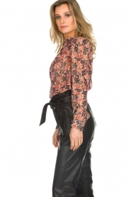 Munthe |  Floral top Noella | pink  | Picture 4