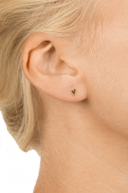 Betty Bogaers | 14k verguld gouden oorbellen Asymmetric Heart | goud  | Afbeelding 3