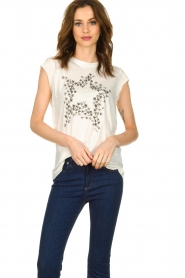 Rabens Saloner |  T-shirt with stars print Elixia | white  | Picture 2