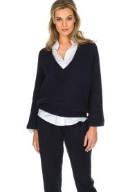 Essentiel Antwerp | Warme trui met V-hals Paling | donkerblauw  | Afbeelding 2