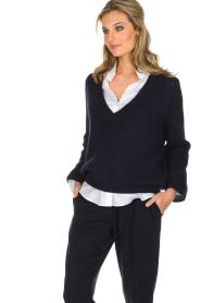 Essentiel Antwerp | Warme trui met V-hals Paling | donkerblauw  | Afbeelding 4