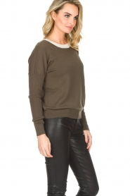 Essentiel Antwerp |  Sweater with V-back Papaya | dark green   | Picture 4