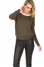 Essentiel Antwerp |  Sweater with V-back Papaya | dark green   | Picture 2