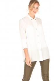 By Malene Birger | Zijden blouse Verao | wit  | Afbeelding 2