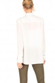 By Malene Birger | Zijden blouse Verao | wit  | Afbeelding 5