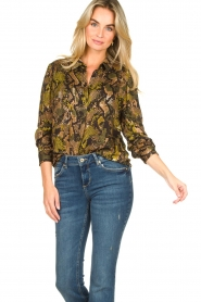 Kocca |  Blouse with snake print Koffil | green  | Picture 2