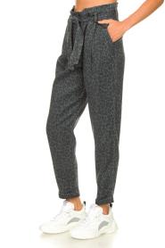 Kocca | Pants with print Zilon | grey  | Picture 5