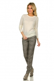 Patrizia Pepe |  Wool sweater with brooch Maglia | naturel  | Picture 7