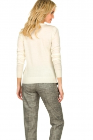 Patrizia Pepe |  Wool sweater with brooch Maglia | naturel  | Picture 6