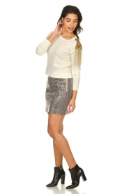 Patrizia Pepe |  Wool sweater with brooch Maglia | naturel  | Picture 3
