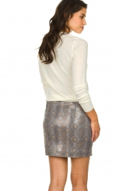 Patrizia Pepe |  Wool sweater with brooch Maglia | naturel  | Picture 5