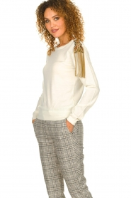 Patrizia Pepe |  Wool sweater with brooch Maglia | naturel  | Picture 4