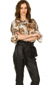 Munthe |  Blouse with leopard print Jet | animal print  | Picture 4