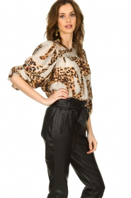 Munthe |  Blouse with leopard print Jet | animal print  | Picture 2