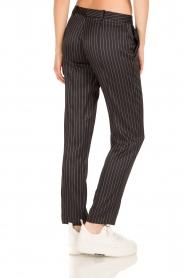 Patrizia Pepe | Pantalon met krijtstreep Melanie | donkerblauw  | Afbeelding 4