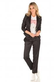 Patrizia Pepe | Pantalon met krijtstreep Melanie | donkerblauw  | Afbeelding 6