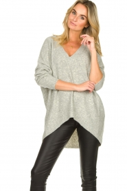 Silvian Heach |  V-neck sweater Marzo | grey  | Picture 2