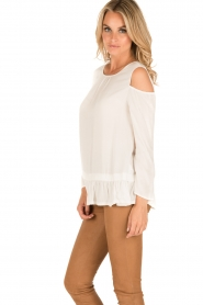 Patrizia Pepe | Off-shoulder top Marie | wit  | Afbeelding 4