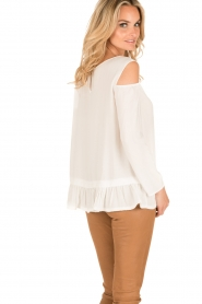 Patrizia Pepe | Off-shoulder top Marie | wit  | Afbeelding 5