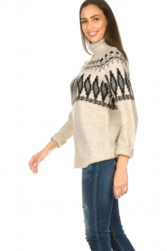 Silvian Heach |  Turtleneck sweater with print Bismarch | natural  | Picture 6