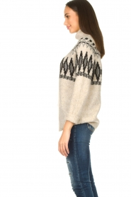 Silvian Heach |  Turtleneck sweater with print Bismarch | natural  | Picture 5