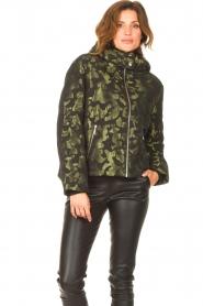 Liu Jo Sport    Jacket with army print Fyn   black    Picture 2