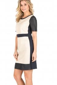 Arma | Leren jurk Holly | beige/blauw  | Afbeelding 4