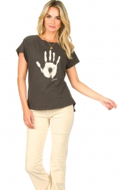 Rabens Saloner    T-shirt with print Filina Palm   black    Picture 5