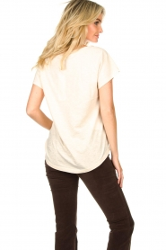 Rabens Saloner |  T-shirt with print Filina Palm | natural  | Picture 5