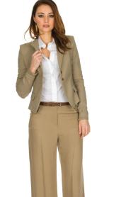 Patrizia Pepe | Klassieke blazer Floriana | donker beige  | Afbeelding 2