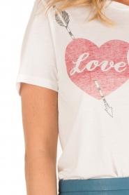 Zoe Karssen | T-shirt Love Hurts | wit  | Afbeelding 6