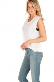 Zoe Karssen | Mouwloos shirt Adelaar  | wit Sleeveless shirt Eagle | white  | Afbeelding 3