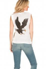 Zoe Karssen | Mouwloos shirt Adelaar  | wit Sleeveless shirt Eagle | white  | Afbeelding 4