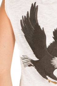 Zoe Karssen | Mouwloos shirt Adelaar  | wit Sleeveless shirt Eagle | white  | Afbeelding 7