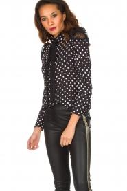 ELISABETTA FRANCHI | Gestipte blouse met kant | zwart  | Afbeelding 4