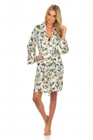 Love Stories |  Printed satin kimono gown Jolie | white  | Picture 3