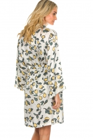 Love Stories |  Printed satin kimono gown Jolie | white  | Picture 6