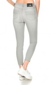 ELISABETTA FRANCHI | Stretch mid-rise jeans | lichtgrijs  | Afbeelding 5
