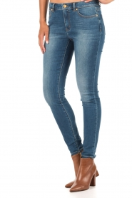 MICHAEL Michael Kors | Skinny jeans Selma lengtemaat 32 | blauw  | Afbeelding 4