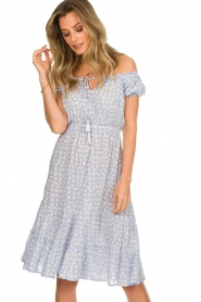 BEACHGOLD |  Dress with floral print Harper | blue  | Picture 2
