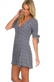 BEACHGOLD |  Dress with floral design Marie | blue  | Picture 5
