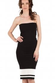 NIKKIE | Strapless jurk Juno Tube | zwartwit  | Afbeelding 2
