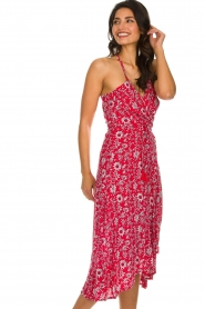 BEACHGOLD |  Floral midi wrap dress Picolo | red  | Picture 4