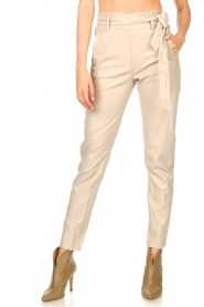 Knit-ted |  Faux leather pants Frida | natural  | Picture 4
