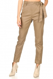 Knit-ted |  Faux leather pants Frida | cognac  | Picture 4
