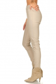 Knit-ted |  Faux leather leggings Amber | natural  | Picture 5