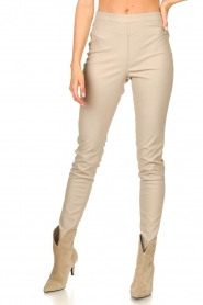 Knit-ted |  Faux leather leggings Amber | natural  | Picture 4